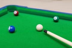 Kleines Snookerspielzeug eingestellt für Kinder Stockbilder