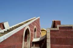 Kleines Sonnenuhrinstrument, astronomisches Observatorium, Jaipur, Rajasthan, Indien Lizenzfreies Stockfoto