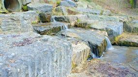 Kleines Wasserfall-Abwasser Lizenzfreie Stockbilder
