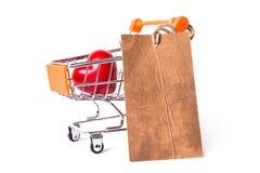 Kleinhandels de kopersconcept van het overeenkomsten duur huwelijk Sluit omhoog studiofoto van het mooie hartelijke rood van de s stock afbeeldingen