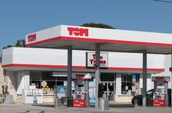 Kleinhandels het benzinestationbuitenkant van Tom Thumb royalty-vrije stock afbeeldingen