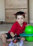 Kleinkind-Jungen-Geburtstagsblumenblumenstrauß Stockbild
