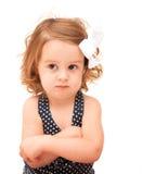 Kleinkind mit den gekreuzten Armen Lizenzfreie Stockfotografie