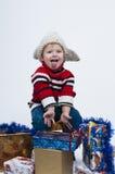 Kleinkind mit Geschenkboxen Lizenzfreies Stockbild