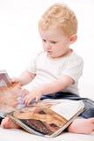 Kleinkind mit großen Mannträumen Stockbild