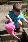 Kleinkindbewässerungsanlagen stockbild