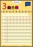 Kleinkinder lernen, Zahlen, Hausarbeit zu schreiben für Kinder Stockfoto
