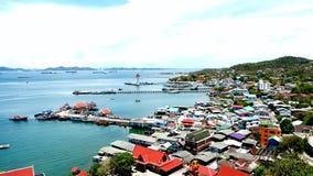 Kleinstadt auf der Insel Lizenzfreies Stockbild