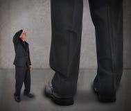 Kleinunternehmen-Mann, der oben schaut Lizenzfreie Stockfotografie