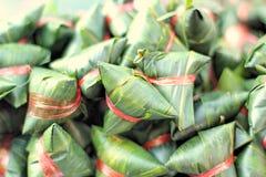 Kleisty ryż zawijający w bananie opuszcza - deserowego Tajlandia Zdjęcie Stock