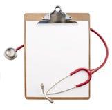Klembord met een stethoscoop stock fotografie