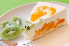 Klementine-und Kiwi Kuchen Stockfoto