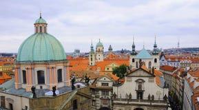 Klementinum und Stare Mesto in Prag Stockbilder