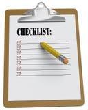 Klemmbrett mit Checkliste und stämmigem Bleistift Stockfotos