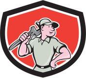 Klempner-Holding Wrench Shield-Karikatur Lizenzfreies Stockfoto