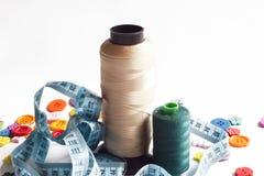 Kleren en naaiende hulpmiddelen Royalty-vrije Stock Afbeelding