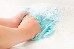 Kleren om handen te wassen royalty-vrije stock foto's