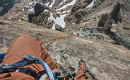Kletterer Rappels im bergigen Gelände in Washington State Stockbilder