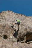 Klettern auf Klippe Lizenzfreies Stockbild