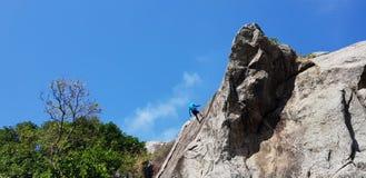 Klettern des Berges lizenzfreies stockfoto