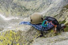 Kletternde Ausrüstung (Gestell, Gang, Hardware) Lizenzfreies Stockfoto