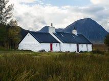 Kletternde Hütte Black Rock-Häuschens in Glen Coe in den schottischen Hochländern stockbild