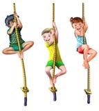 Kletternde Kinder des Seils Stockfotografie