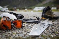 Kletternder Gang und Ausrüstung für einen Bergsteiger stockbilder