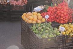Kleuren van de landbouwersmarkt stock fotografie