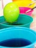 Kleurende Paaseieren Royalty-vrije Stock Afbeeldingen