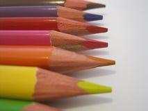 Kleurende potloodkleurpotloden op een Witboek Royalty-vrije Stock Fotografie
