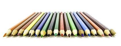 Kleurenpotloden op witte achtergrond Sluit omhoog Mooie kleurenpotloden Kleurenpotloden voor tekening Royalty-vrije Stock Afbeelding