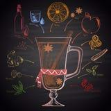 Kleurkrijtje getrokken illustratie van Kerstmis overwogen wijn met ingrediënten Royalty-vrije Stock Fotografie