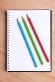 Kleurpotloden als rgb kleur Stock Foto's