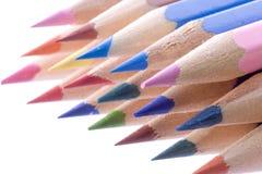 Kleurpotloden die op wit worden geïsoleerd Royalty-vrije Stock Afbeelding