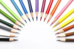 Kleurpotloden in een halve cirkel Royalty-vrije Stock Afbeeldingen