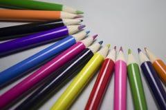 Kleurpotloden in een halve cirkel met ruimte voor tekst Royalty-vrije Stock Afbeelding