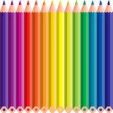 Kleurpotloden in een lijn Stock Fotografie