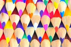 Kleurpotloden in kleuren Stock Foto's