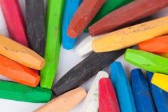 Kleurpotloden op witte achtergrond Royalty-vrije Stock Afbeelding