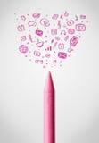 Kleurpotloodclose-up met sociale media pictogrammen Royalty-vrije Stock Afbeeldingen