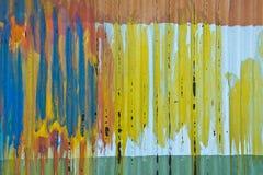 Kleurrijk Abstract Tin Shed met Verfachtergrond Stock Afbeeldingen