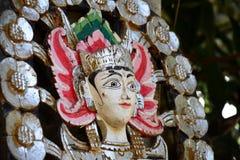 Kleurrijk Balinees houten standbeeld van hinduistic godin Royalty-vrije Stock Foto