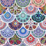 Kleurrijk bloemen naadloos patroon van cirkels met mandala in de elegante stijl van lapwerkboho stock illustratie