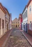 Kleurrijk cobblestoned in het centrum van Verden royalty-vrije stock foto