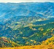 Kleurrijk de herfstlandschap van de de Vogezen-Bergen in de Elzas, Frankrijk royalty-vrije stock afbeelding