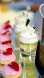 Kleurrijk dessertbuffet Royalty-vrije Stock Afbeeldingen