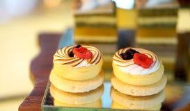 Kleurrijk dessertbuffet, middag hoge thee Stock Fotografie