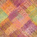 Kleurrijk diagonaal schuld naadloos patroon met gestreepte grunge, golvend, weefsel vierkante elementen Stock Afbeelding