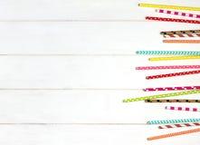 Kleurrijk document stro voor partij op de houten achtergrond Royalty-vrije Stock Afbeelding